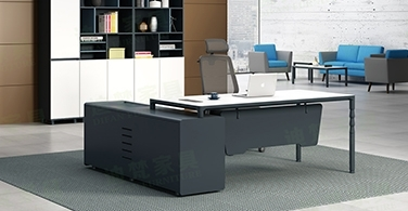 What needs to be considered when customizing panel office furniture?